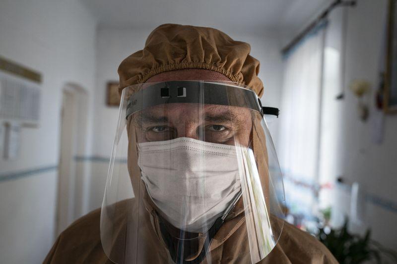 Copy of Virus_Outbreak_Ukraine_Buckling_Hospitals_09550.jpg-8e3f0~1-1589283513234