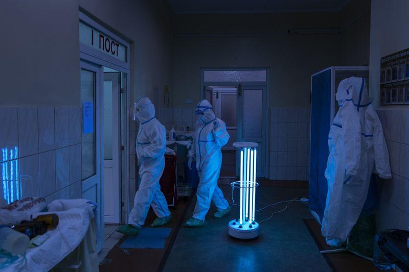 Copy of Virus_Outbreak_Ukraine_Buckling_Hospitals_36184.jpg-39501~1-1589283508256