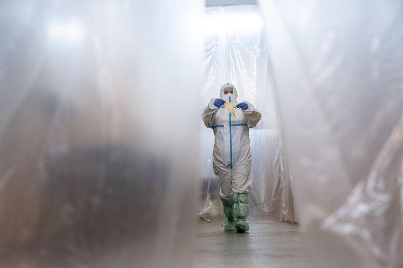 Copy of Virus_Outbreak_Ukraine_Buckling_Hospitals_42991.jpg-b3349~1-1589283505111