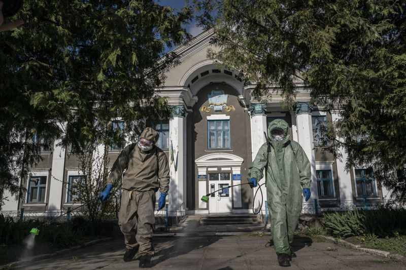 Copy of Virus_Outbreak_Ukraine_Buckling_Hospitals_45498.jpg-37aba-1589283471202