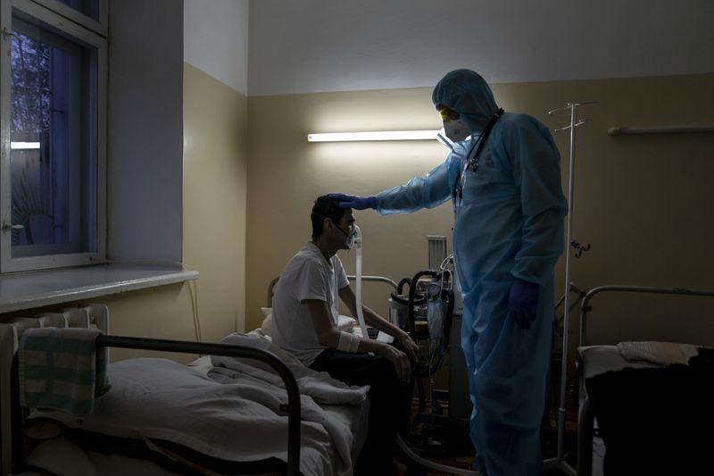 Copy of Virus_Outbreak_Ukraine_Buckling_Hospitals_70462.jpg-e9bae-1589283464048