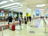 Social distancing at Dubai International