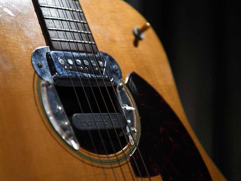 Curt Cobain Guitar