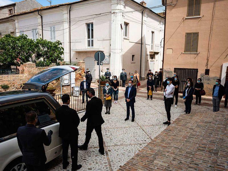 Italy_Funerals