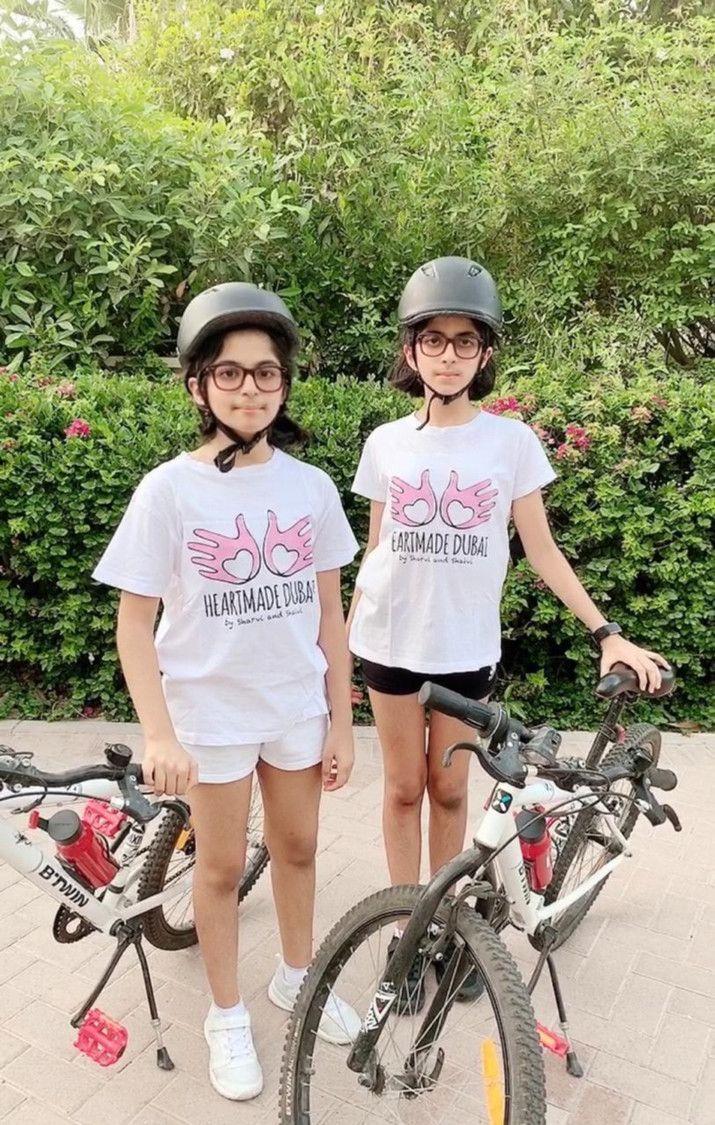 NAT Twins Sharvi and Shaivi Kalwani  AK-1589526473175