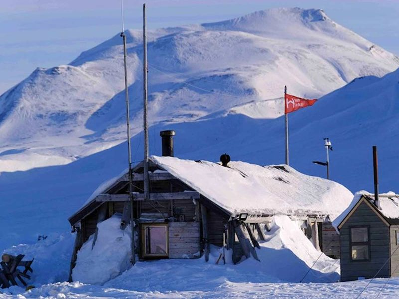 The 12-square-metre tappers cabin on the Norwegian archipelago Svalbard has no running water or electricity. Credit Hearts in the Arctic