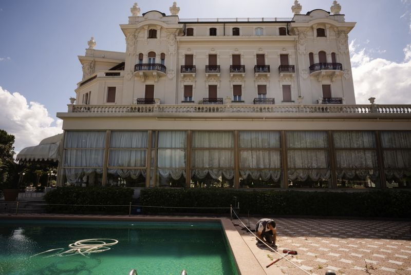 Copy of Virus_Outbreak_Italy_Deluxe_Hotels_Photo_Gallery_26259.jpg-d9690~1-1589702882529