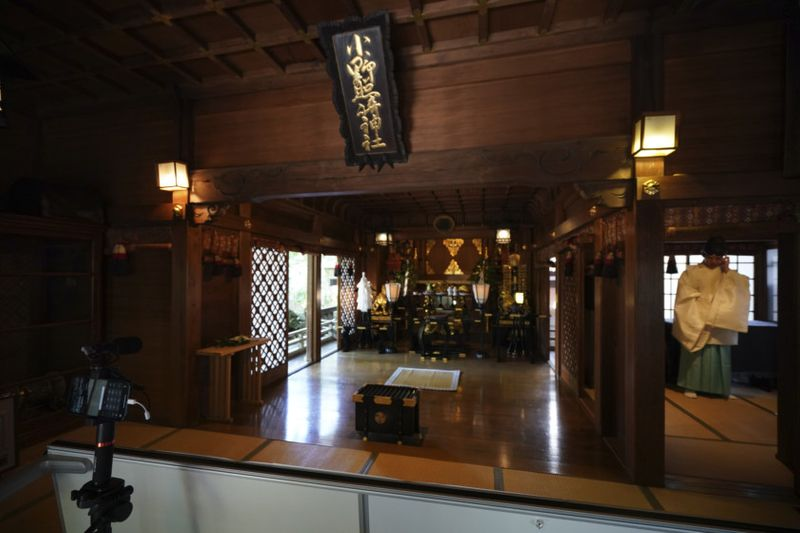 Copy of Virus_Outbreak_Japan_Online_Shrine_Photo_Gallery_04270.jpg-85336~1-1589711463449