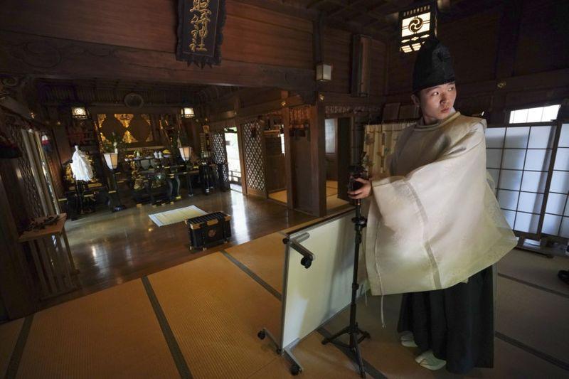 Copy of Virus_Outbreak_Japan_Online_Shrine_Photo_Gallery_21319.jpg-794af-1589711480358
