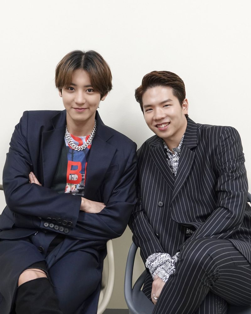 EXO's Chanyeol and DJ Raiden-1589697769462