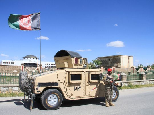An Afghan Natiolan Army officer
