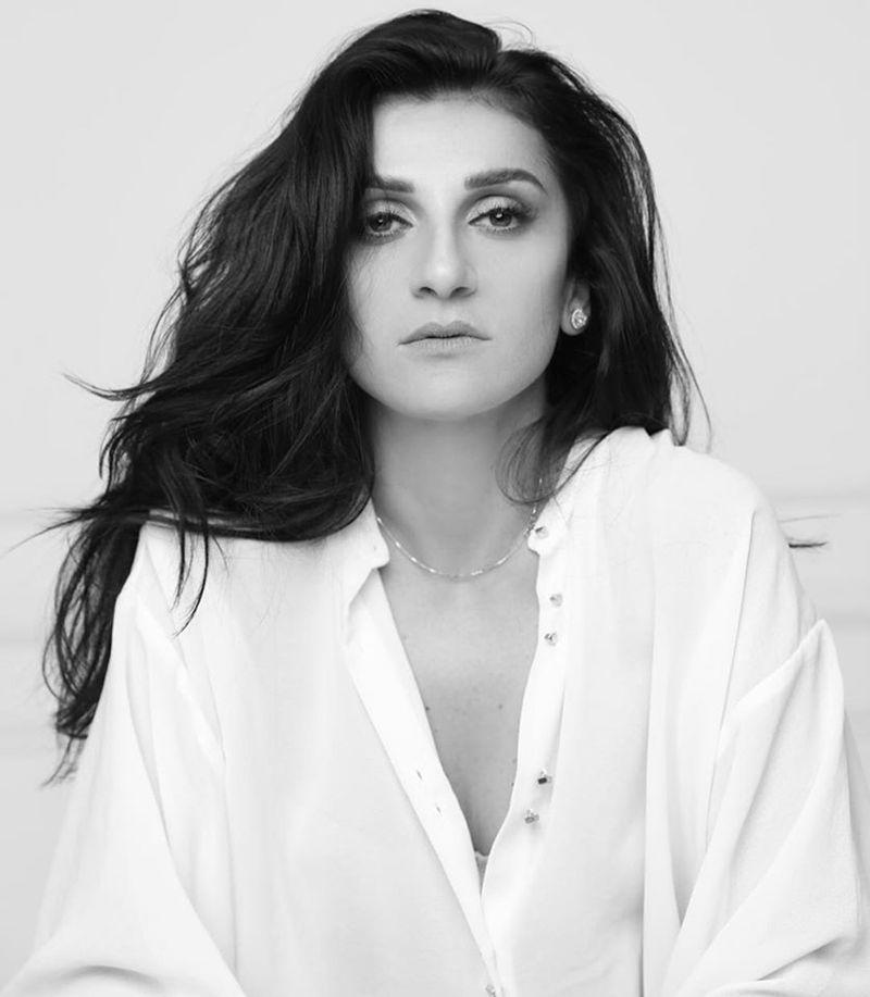 Designer Yasmine Yeya