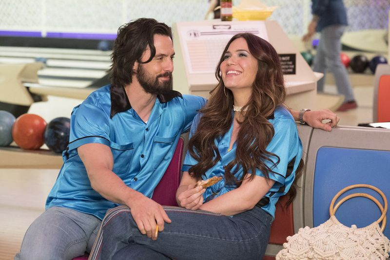 Mandy Moore and Milo Ventimiglia in This Is Us (2016)-1589869289106