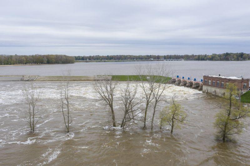 Copy of Midwest_Flooding_01212.jpg-aaabb~1-1589975209242