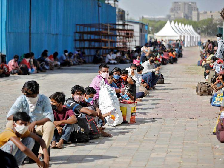 India migrant workers railway station coronavirus