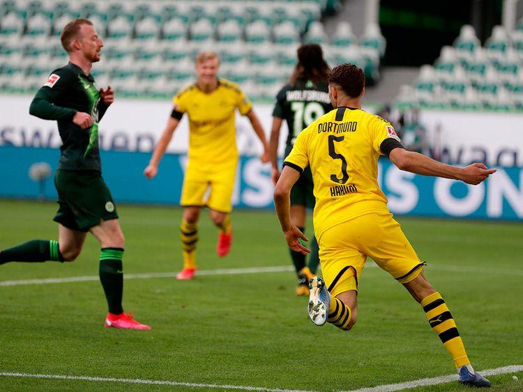 Bundesliga: Borussia Dortmund keep the pressure on Bayern Munich ...