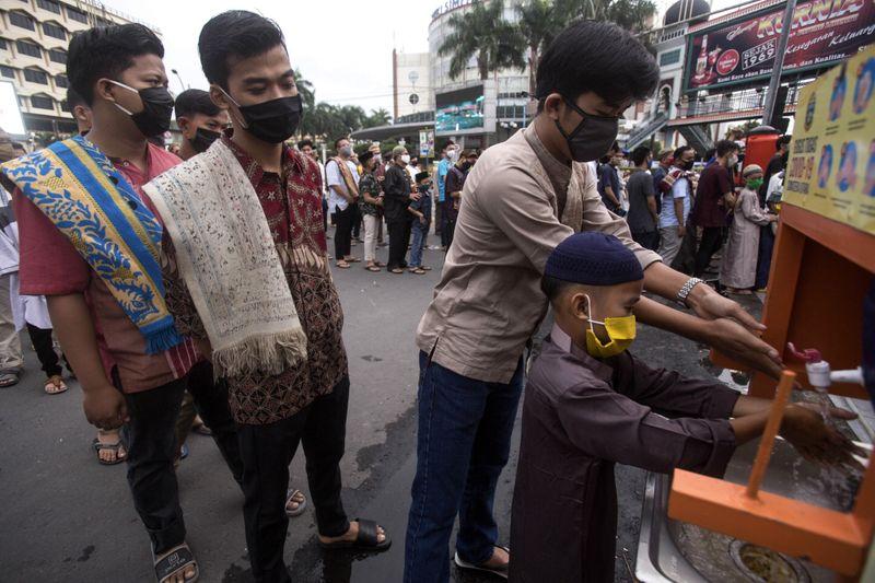 Copy of Virus_Outbreak_Indonesia_Eid_98508.jpg-a7f95~1-1590318006191