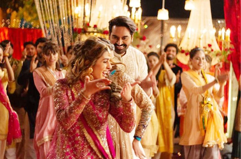 Humayun Saeed and Kubra Khan in a still from LONDON NAHI JAUNGA-1590394024810