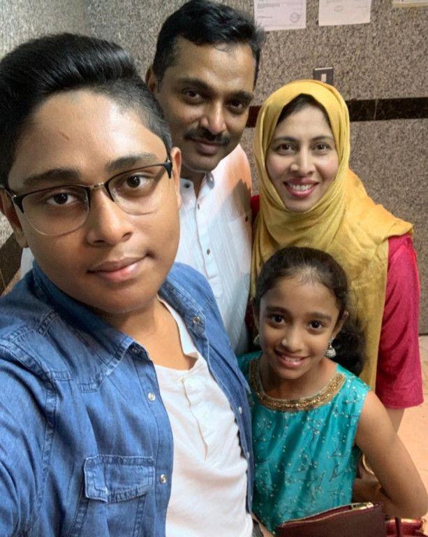 nat 200525 Tabassum Kazi with her family-1590391808689