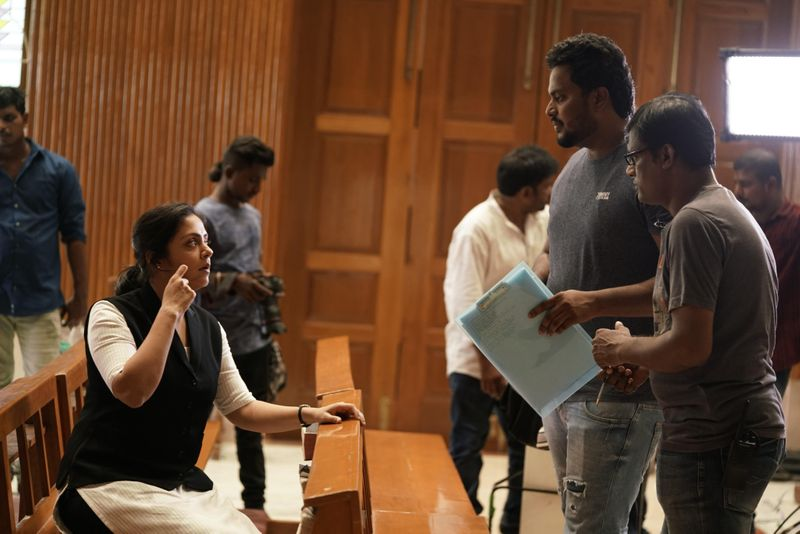 TAB 200517 Director Fredrick On the sets of Pon Magal Vandhal with Jyothika and director Bhagyaraj-1590558744694