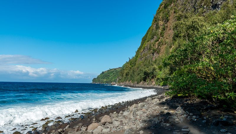 WAIPIO VALLEY BEACH, HAWAII: