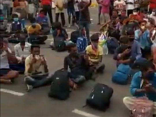 Goa police entertain stranded migrant workers with music