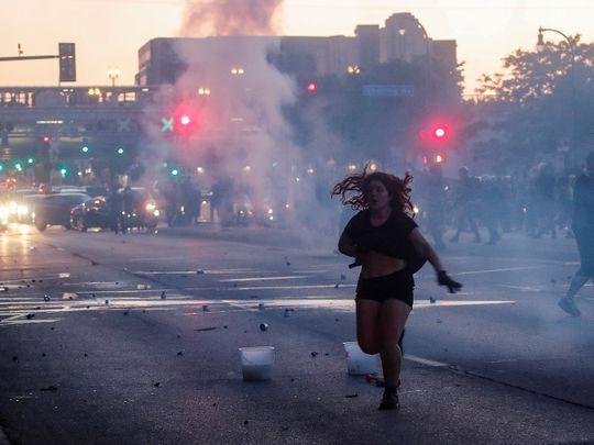 https://imagevars.gulfnews.com/2020/05/29/200529-US-riots_1725e55454f_medium.jpg