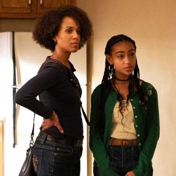 Kerry Washington and Lexi Underwood in The Spark (2020)-1590817824599