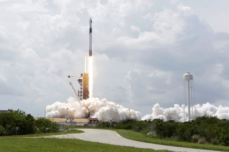 Copy of 2020-05-31T011834Z_162687168_RC2DZG9QCSJR_RTRMADP_3_SPACE-EXPLORATION-SPACEX-LAUNCH-1590899091132