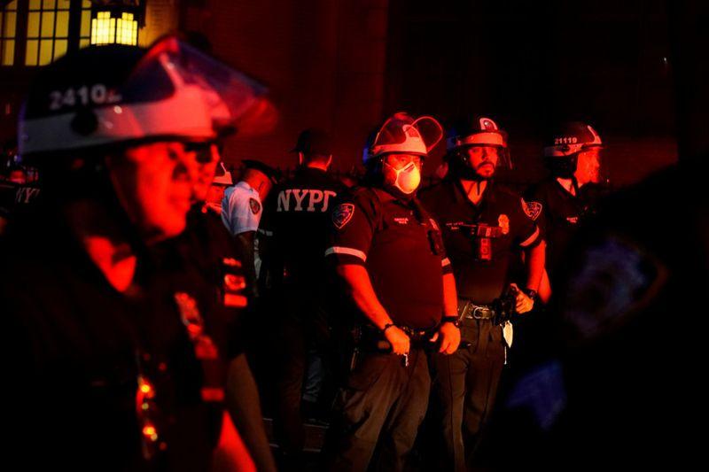 Copy of 2020-05-31T022502Z_360454017_RC2EZG9JILND_RTRMADP_3_MINNEAPOLIS-POLICE-PROTESTS-NEW-YORK-1590904522781