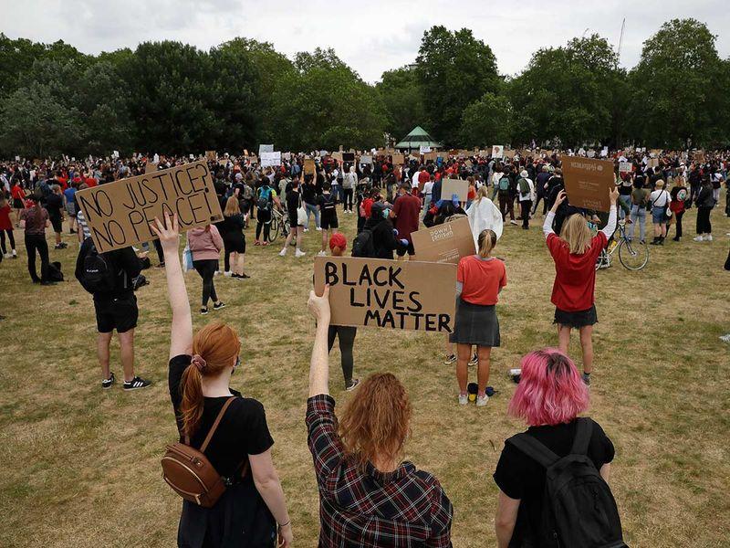 Copy-of-America_Protests_Britain_90198