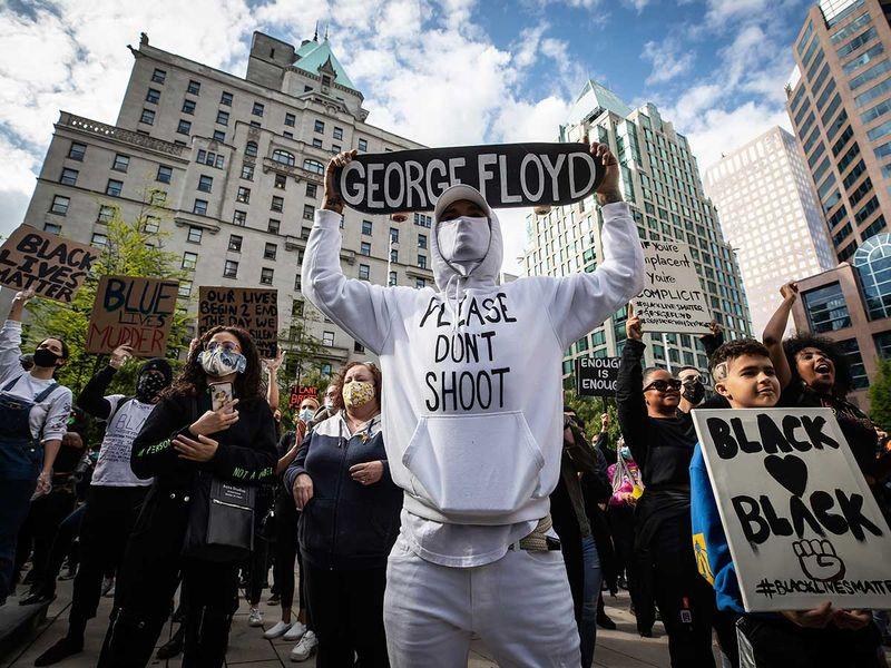 Copy-of-America_Protests_Canada_49611