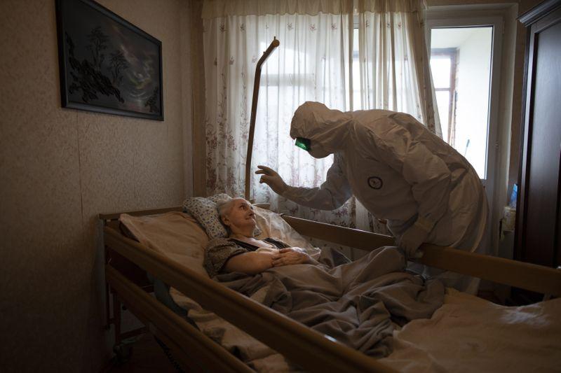 Copy of Virus_Outbreak_Russia_Priest_03528.jpg-b65f3~1-1591433134548