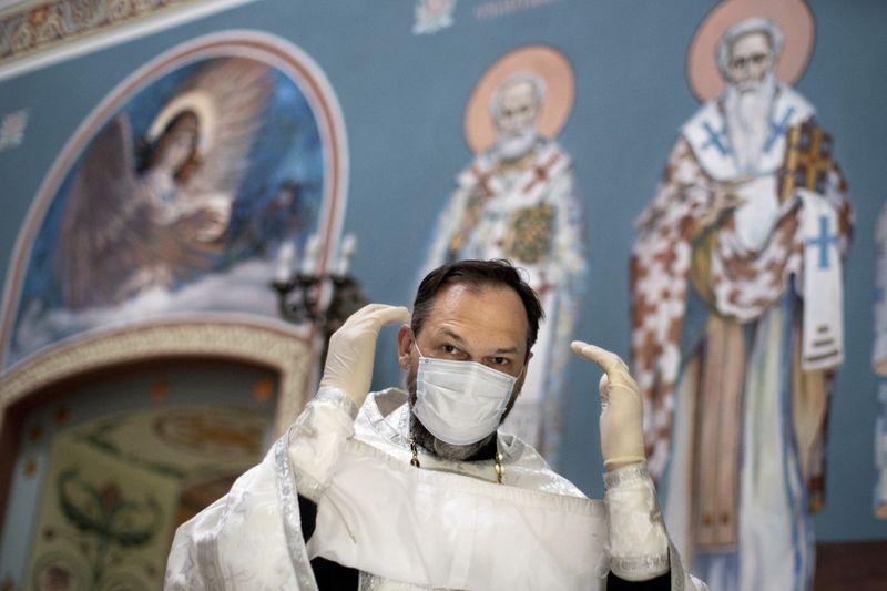 Copy of Virus_Outbreak_Russia_Priest_37872.jpg-fd138~1-1591433114331