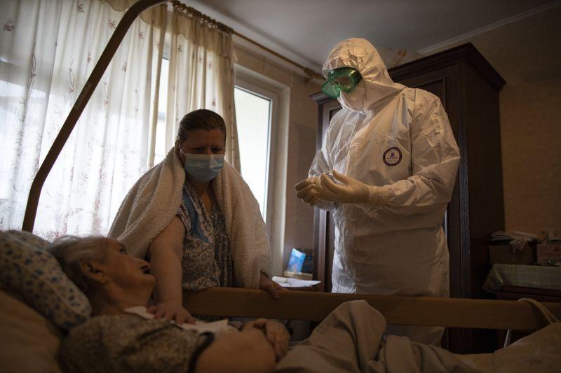 Copy of Virus_Outbreak_Russia_Priest_45593.jpg-3952d-1591433103233