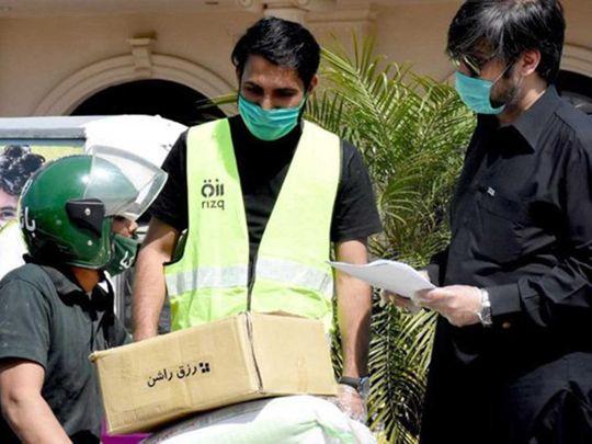 Pakistani 'rizk' volunteers