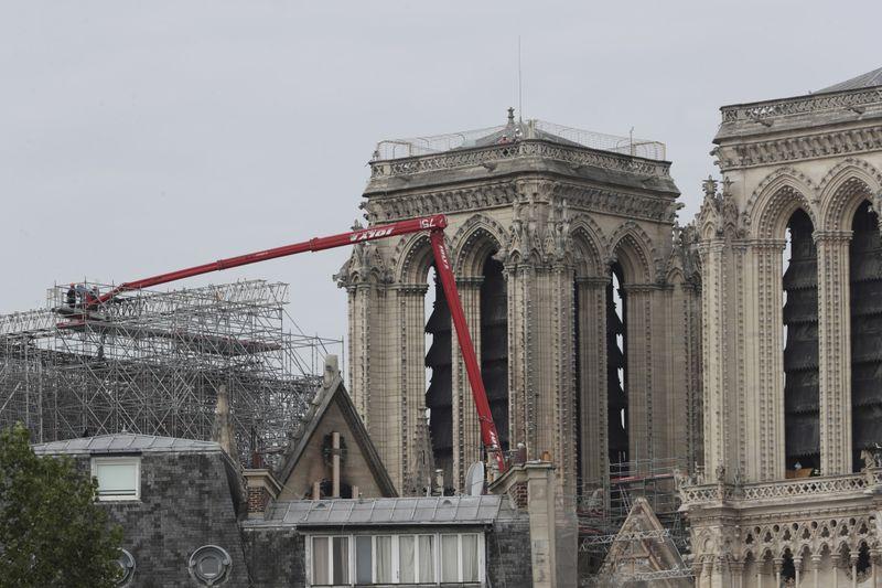 Copy of France_Notre_Dame_96990.jpg-d627d-1591620665854