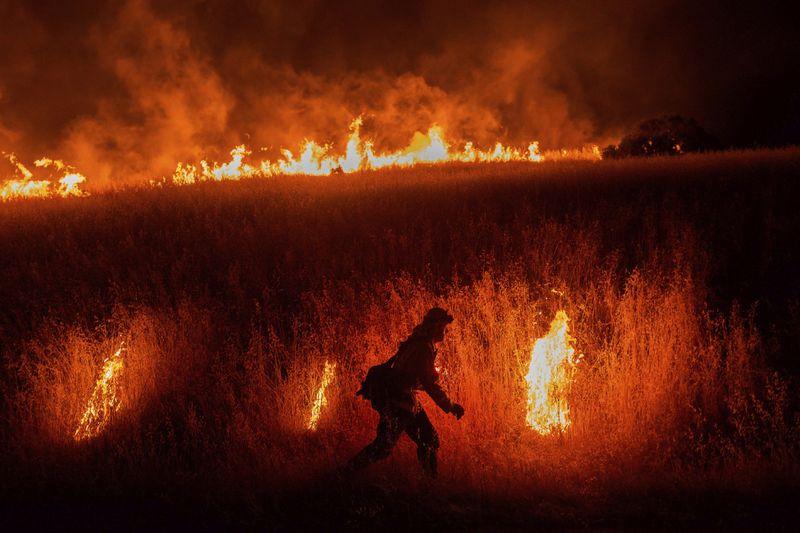 Copy of APTOPIX_California_Wildfires_38881.jpg-1feb1-1591697840963
