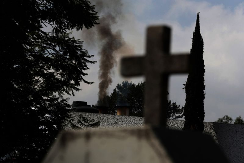 Copy of Virus_Outbreak_Mexico_-_Cemeteries_Photo_Gallery_07045.jpg-7e980~1-1591700188735