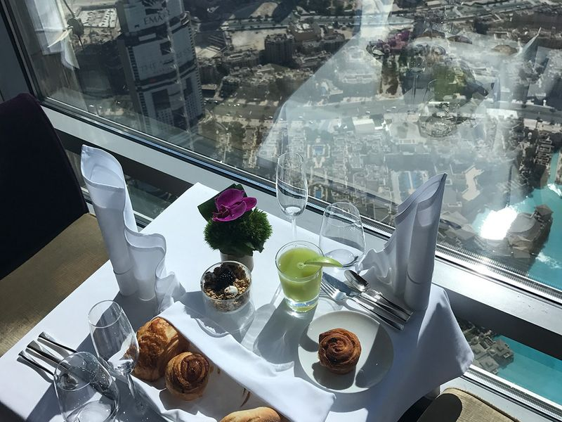Atmophere at Burj Khalifa breakfast