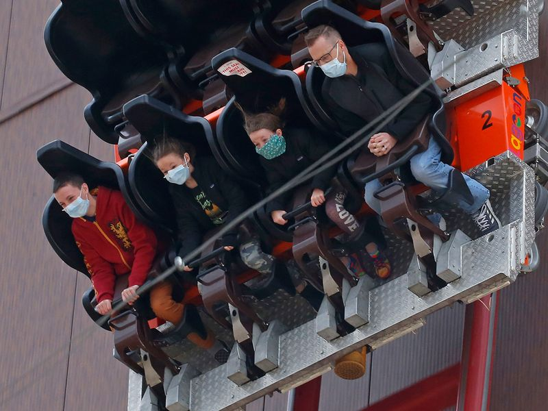 Copy-of-Theme_Parks_Reopening_57626