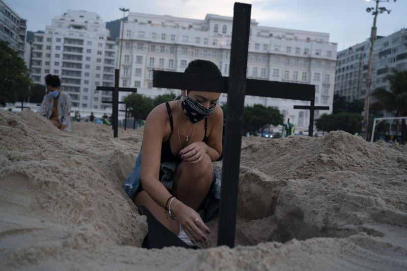 Copy of Virus_Outbreak_Brazil_Protest_83028.jpg-d4966~1-1592126256751