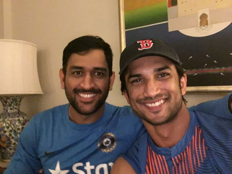 TAB SUSHANT WITH DHONI-1592130903226