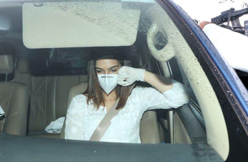 Bollywood star Kriti Sanon at Sushant Singh Rajput's funeral