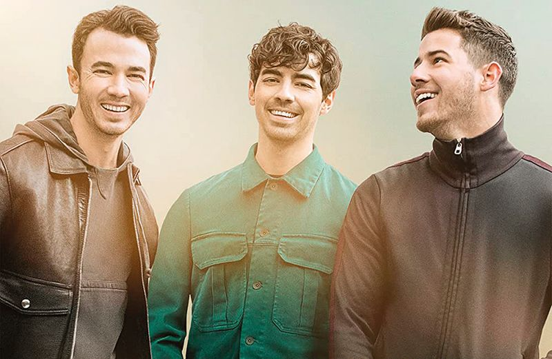 Jonas Brothers in Chasing Happiness