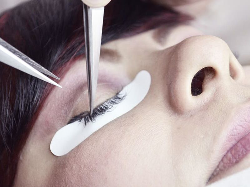 false lashes