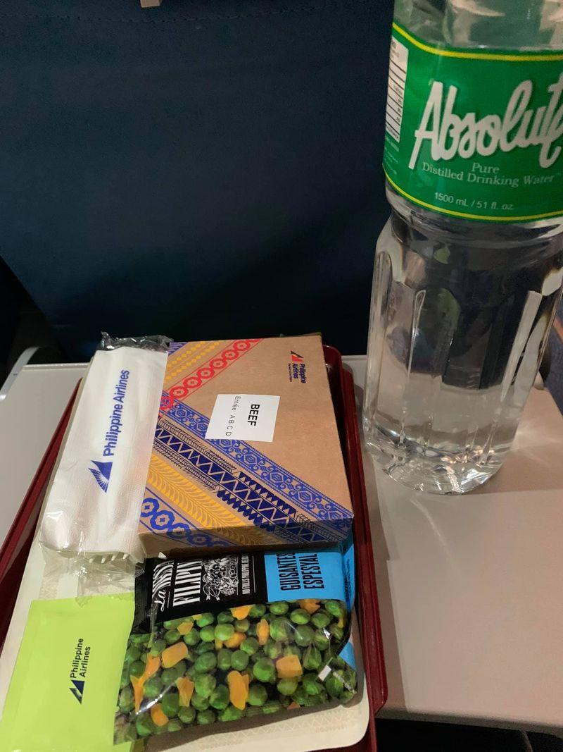 Lalaine Ortiz-Lacerna / Facebook PAL airline food