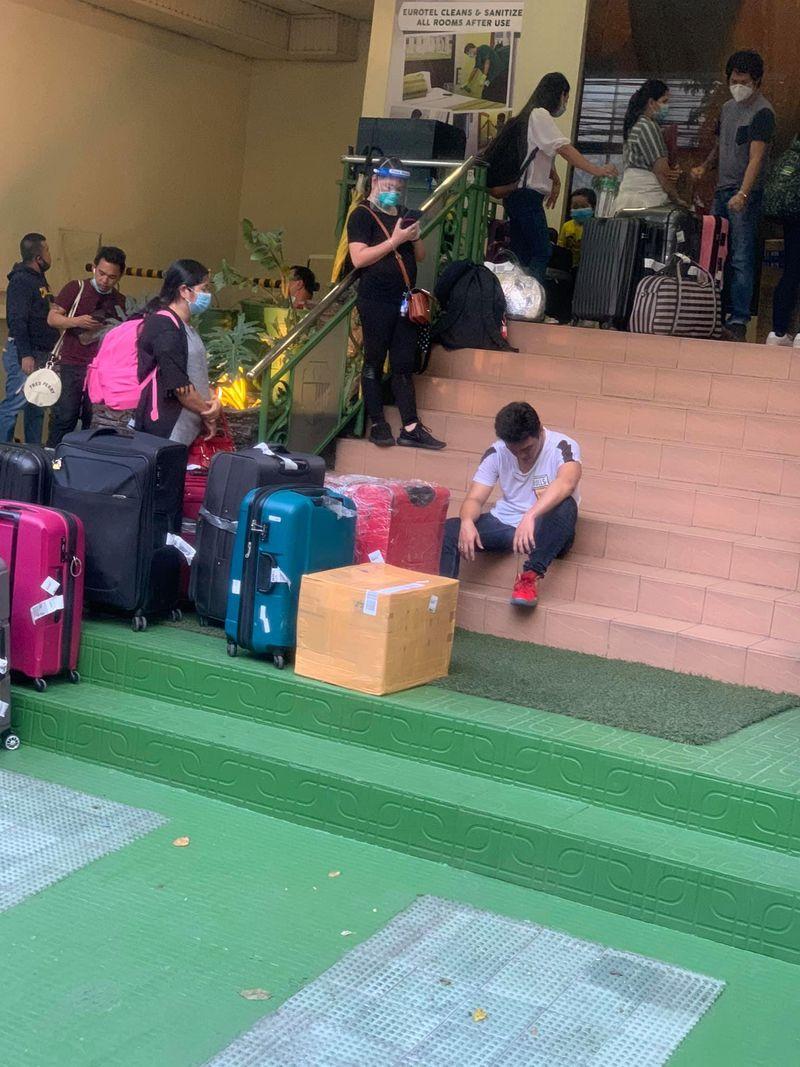 check in queue manila