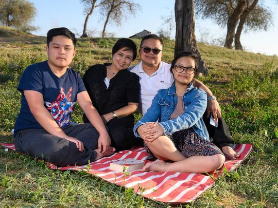 NAT Cesar Parroco_03 and family-1592655155604