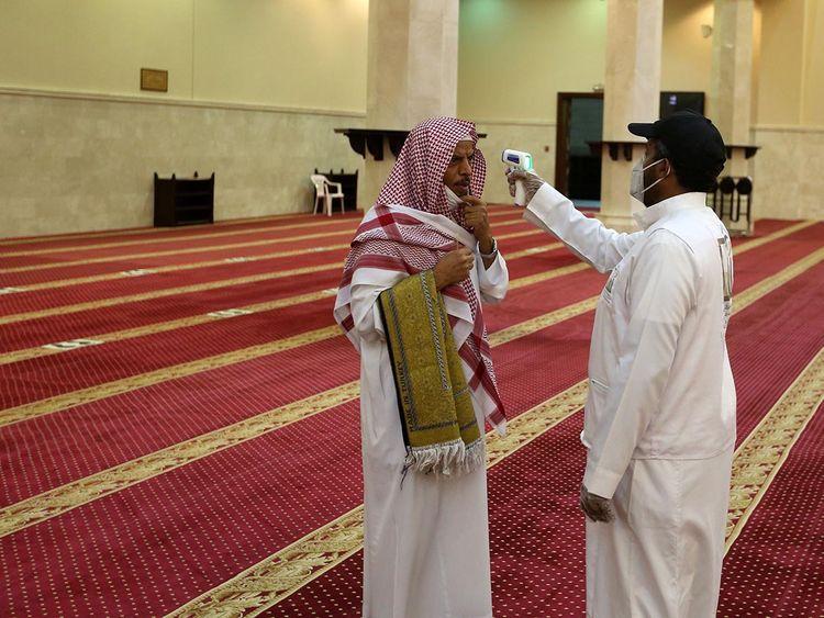 COVID-19: Saudi Arabia reports 2,671 new coronavirus cases, 42 deaths | Saudi – Gulf News